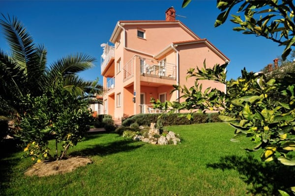 Self-catering apartments in Istria: Vila Brioni, Fazana