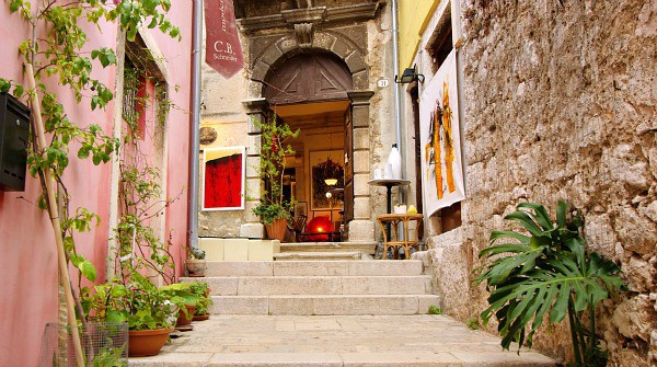 A Travel Guide To Rovij Croatia | Streets of Rovinj