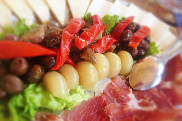 Konavle: Tavern Monkovic - plate of cold cuts