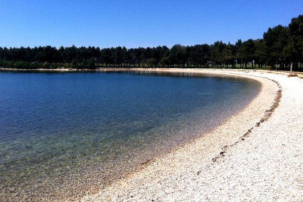 Novigrad Photos: a beach in Novigrad