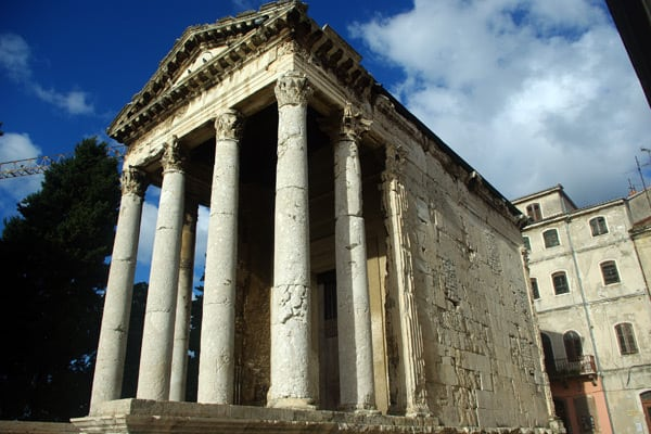 Pula Croatia: Augustus' Temple