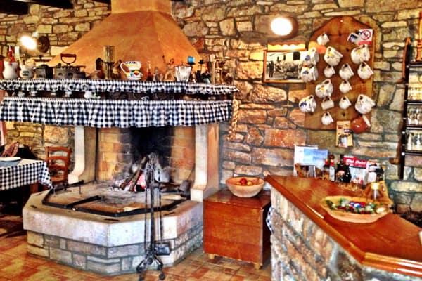 Tavern Toncic Zrenj: Interior