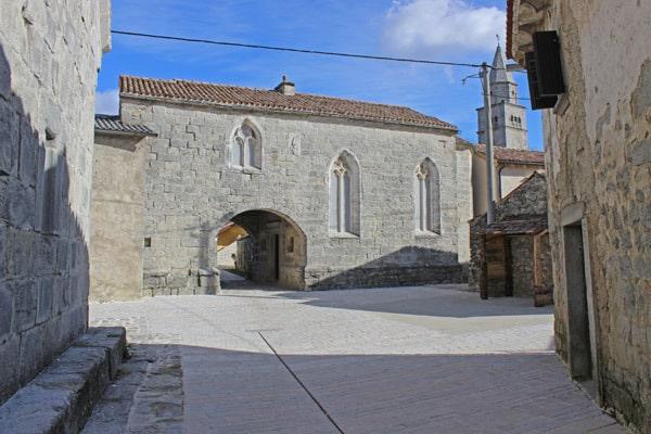 Istrian Hilltop Towns: Gracisce