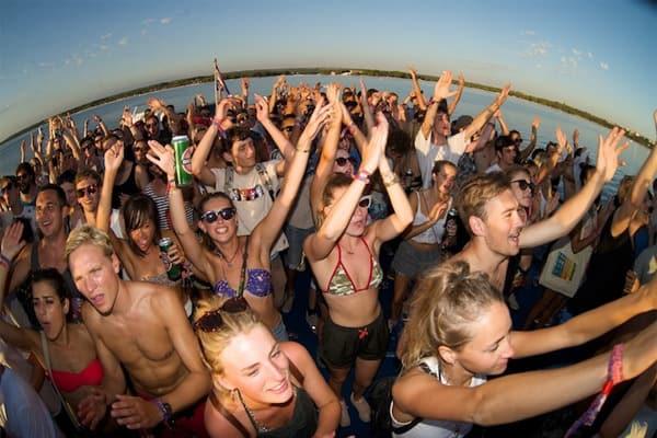 Croatia Festivals: Dimensions