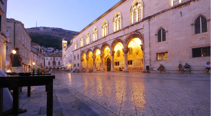 Cafes, Bars, and Nightlife in Dubrovnik|Dubrovnik Travel Guide