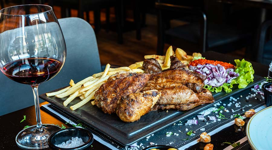 Chicken and fries in the restaurant Mezzanave in Dubrovnik