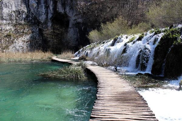 Plitvice Lakes Croatia Photos: Walking on the water
