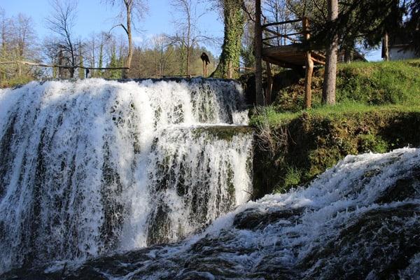 Plitvice Lakes Croatia Photos: Small waterfall in Rastoke