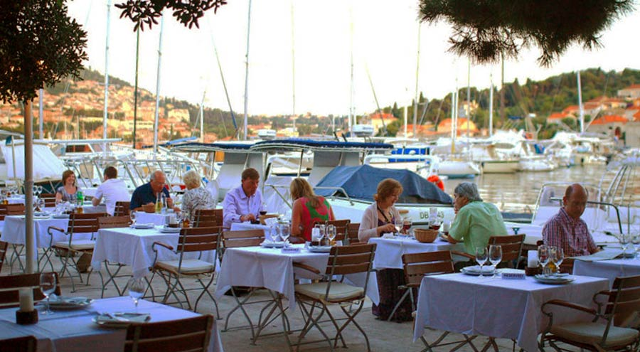 Terrace at the Orsan Yacht Club