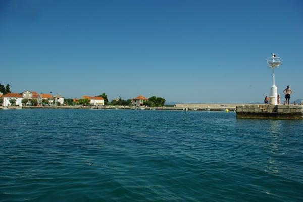 Reasons to visit the Peljesac peninsula: Drace