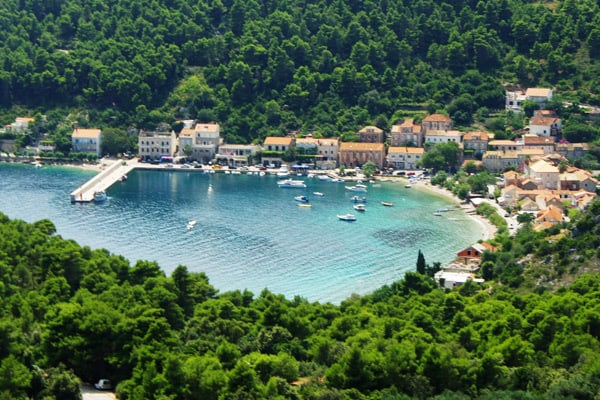 Reasons to visit the Peljesac peninsula: Trstenik