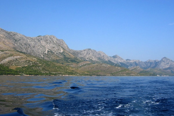 Hiking Dalmatia: View over the Biokovo Mountain