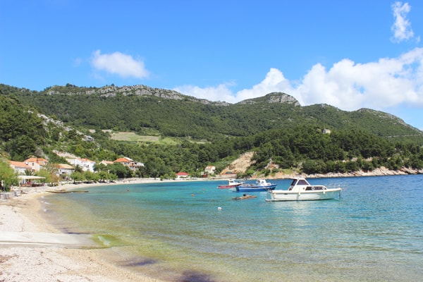 Trstenik Peljesac: Beautiful pebble beach