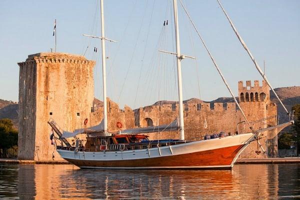 Yacht Charter Croatia: Bonaventura Boat