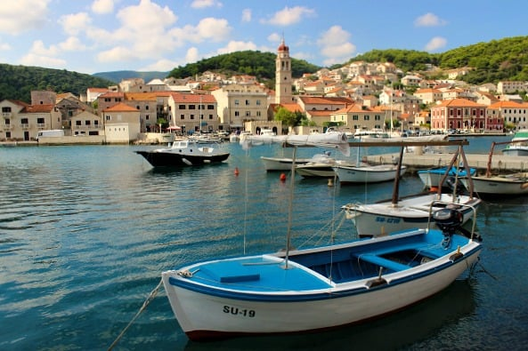 Travel Guide To The Brac Island: Pucisca