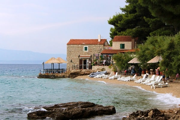 Things to do on Brac Island | Restaurants