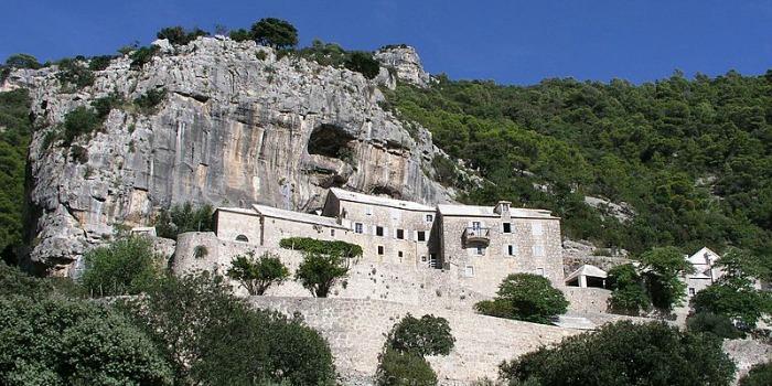 Things to do on Brac Island | Visit a hermitage sit Blaca