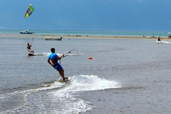 Things to do on Brac Island | Learn kite-boarding