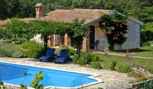 Where to stay in Porec Croatia | The Little House