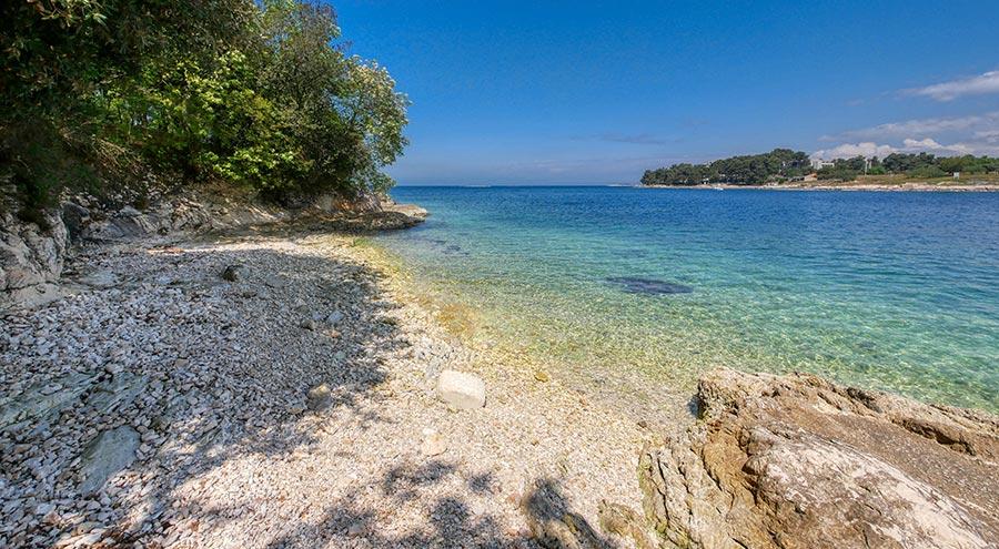 Beach in Zelena Laguna in Porec