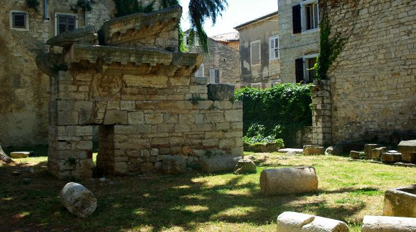 What To See In Porec | A temple of Neptune