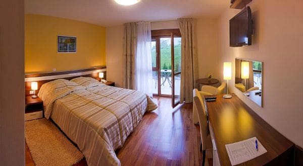 Accommodation At Plitvice Lakes | Hotel Degenija