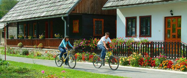 A Complete Travel Guide To Plitvice Lakes | Cycling