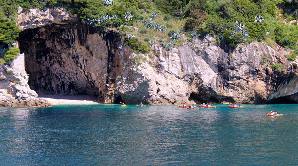 Sea Kayaking to the Betina cave beach