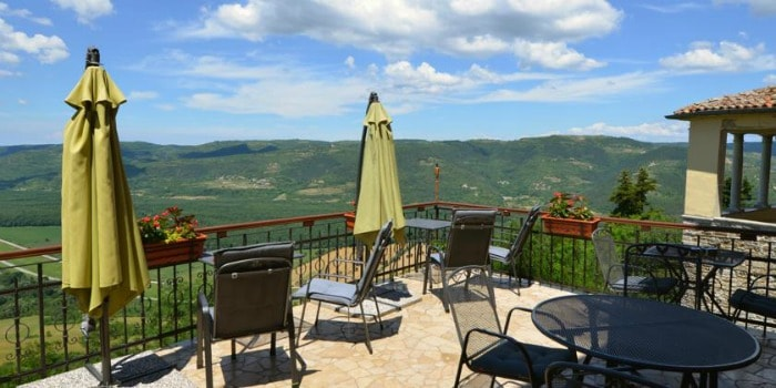 Best Hostels In Croatia |Hostel Villa Borgo in Motovun