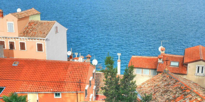 Panasonic Lumix GF7 Review |Red roofs of Rovinj