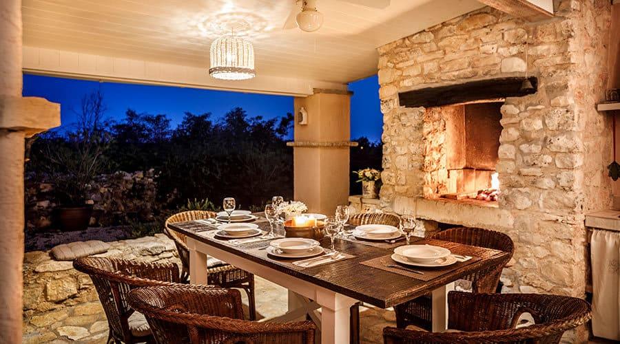 Villa in Istria | Villa Rupeni Istria: Outdoor Dining Area With BBQ