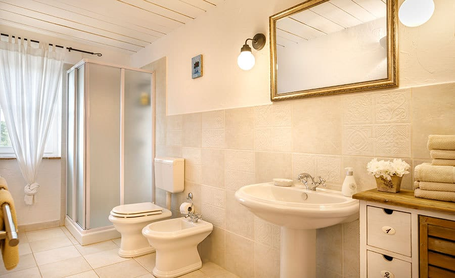 Villa in Istria | Villa Rupeni: En-suite bathroom 2