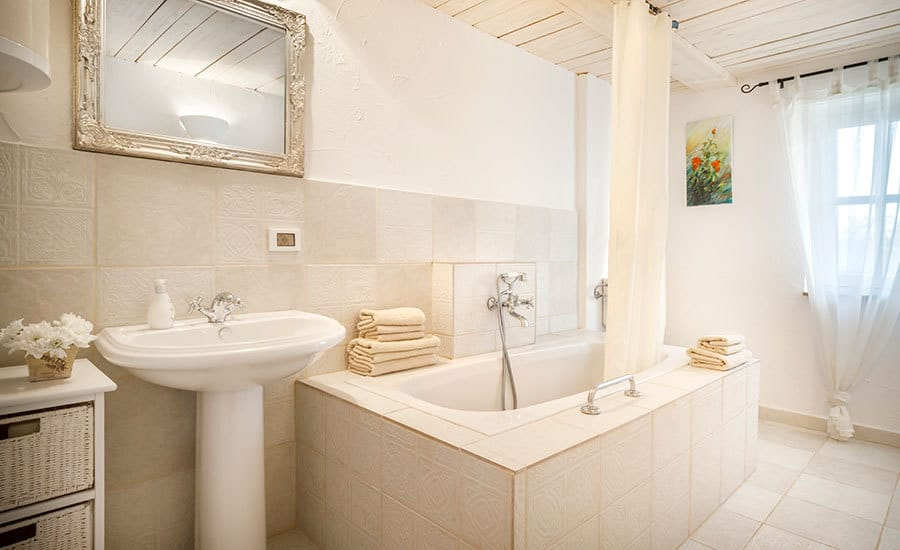 Villa in Istria | Villa Rupeni: En-suite bathroom 3