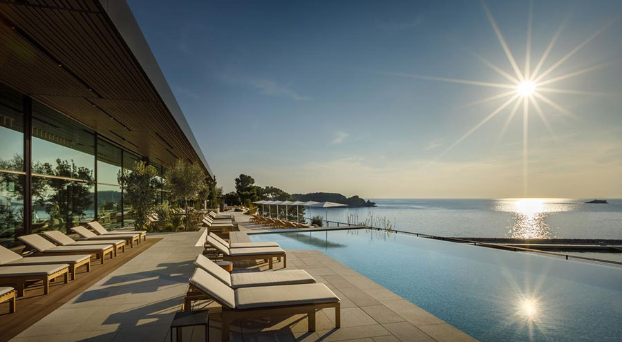 Grand Hotel Park Rovinj Swimming Pool with a seaview