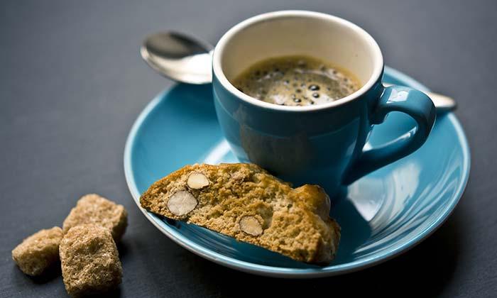 Croatian Desserts | Bajamini or almond biscotti