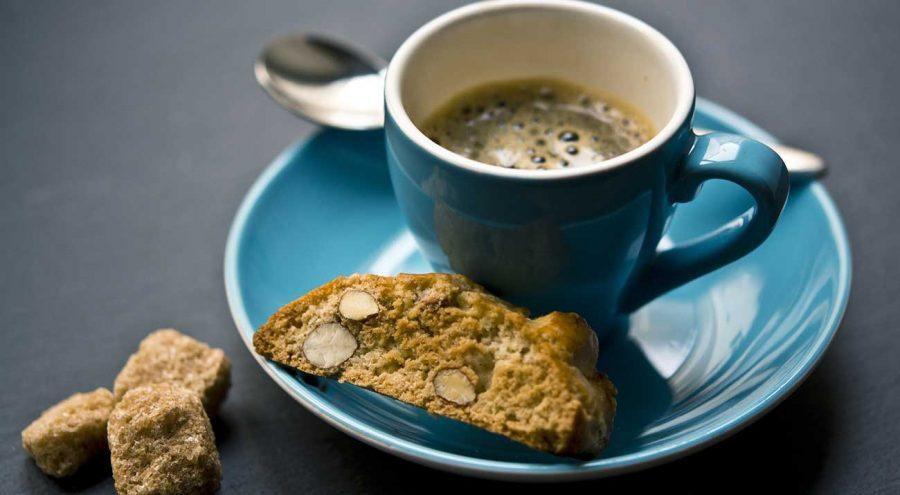 Bajamini, almond cookies