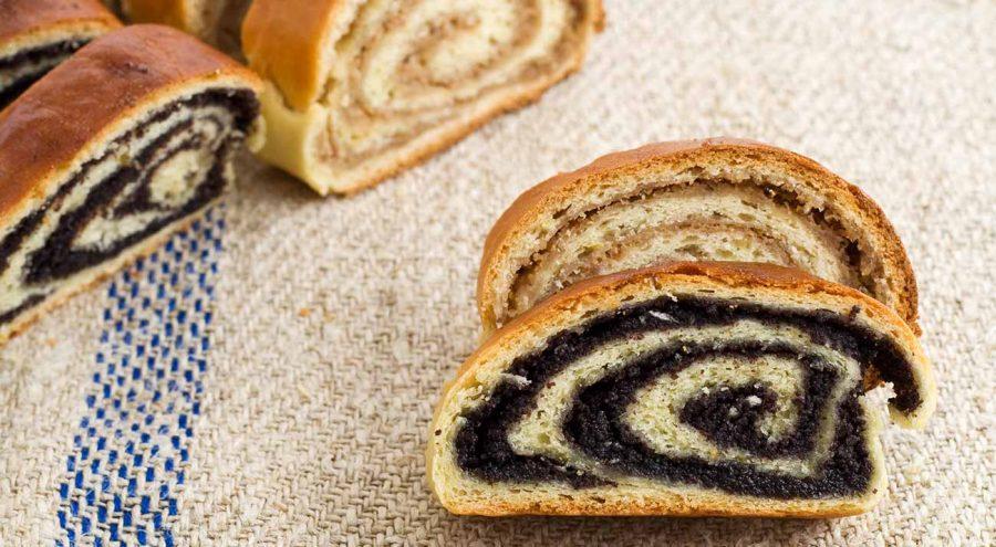 Croatian Desserts | Poppyseed and walnut roll
