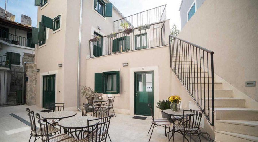 Apartments Korta, interior courtyard