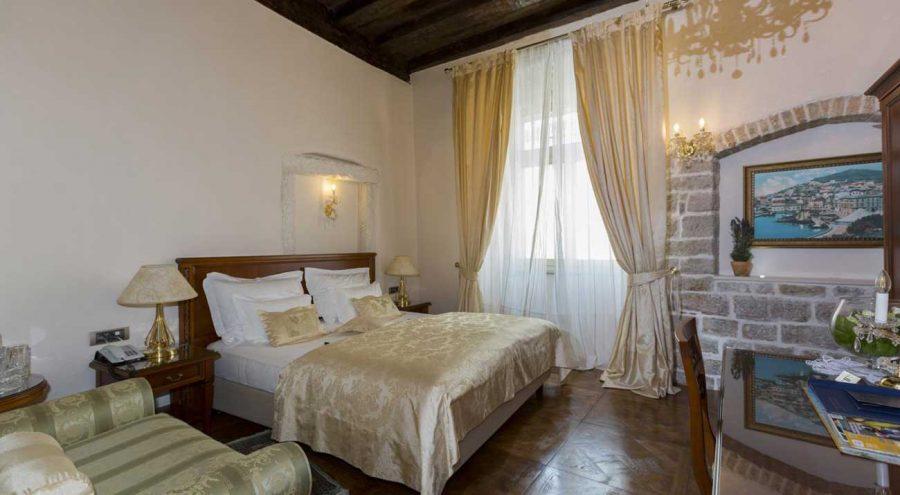 Double room in the heritage hotel Judita Palace in Split