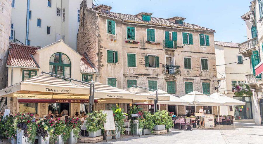Vocni trg, buildings in Split