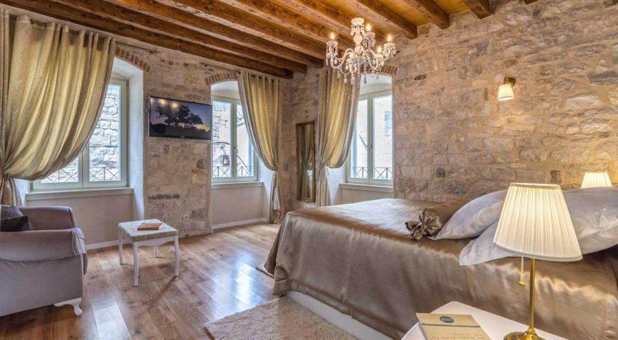 Villa Split Heritage Hotel, Bedroom, stone walls